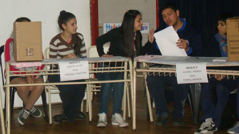 Voto Joven: Colegio Ingeniero Alberto E. Lucchini